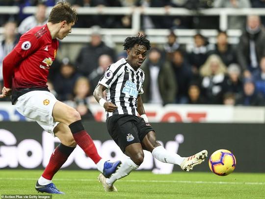 Lukaku, Rashford ghi bàn, Man United bay cao ở St.James' Park - Ảnh 3.
