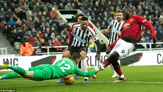 Lukaku, Rashford ghi bàn, Man United bay cao ở St.James' Park - Ảnh 4.