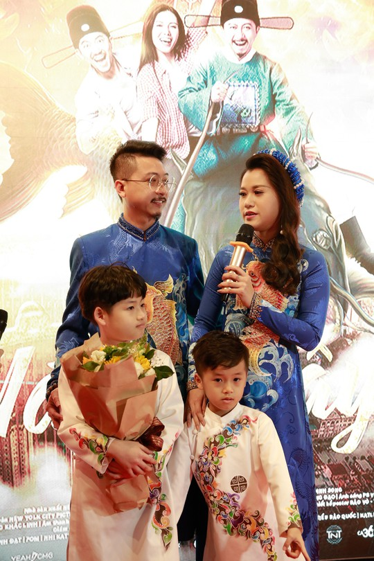 Vợ chồng Lâm Vỹ Dạ - Hứa Minh Đạt mang 2 con đến Táo quậy - Ảnh 5.