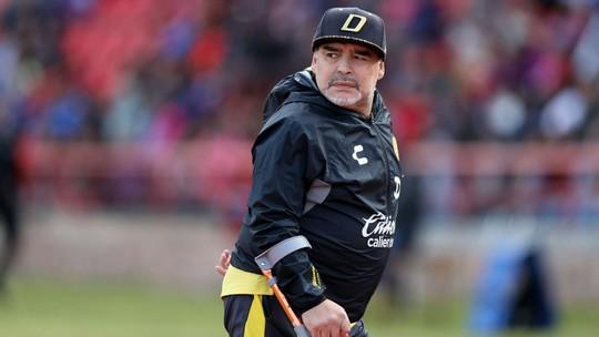 Huyền thoại Maradona nhập viện khẩn - Ảnh 1.
