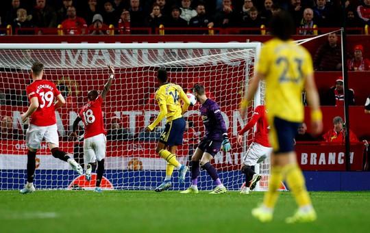Man United rơi xuống vị trí thứ 10, ghế Solskjaer lung lay!  - Ảnh 4.