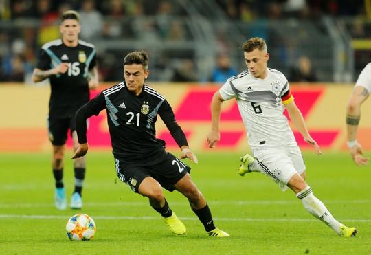 Đại gia thư hùng, Argentina cầm chân Đức bằng siêu phẩm - Ảnh 2.