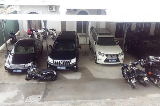 Công an tỉnh Cao Bằng nhận xe 3,72 tỉ đồng do doanh nghiệp tặng - Ảnh 1.