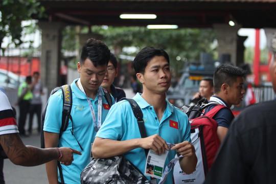 Việt Nam thắng tưng bừng Indonesia 3-1 trên sân khách - Ảnh 9.