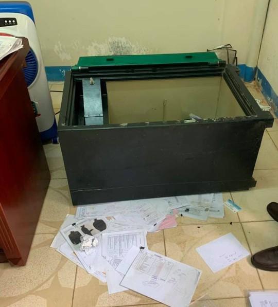 Thủ đoạn của băng nhóm nước ngoài chuyên đục két sắt trộm tiền tỉ tại Đà Nẵng - Ảnh 1.