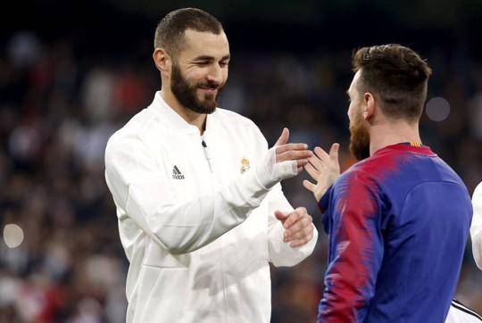 Siêu kinh điển bị hoãn, Real Madrid và Barcelona gặp khó - Ảnh 6.