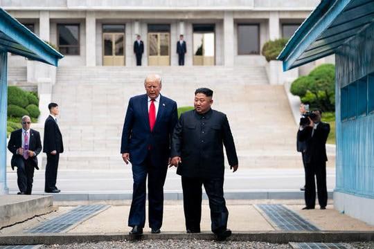 Vừa tuyên bố nối lại đàm phán với Mỹ, Triều Tiên phóng tên lửa  - Ảnh 1.