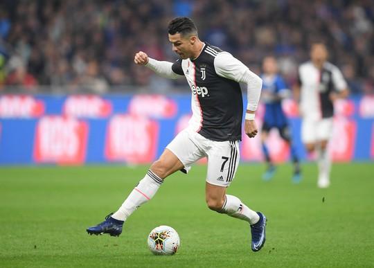 Juventus tặng quà độc, Ronaldo bùng nổ với bàn thắng 701 - Ảnh 3.