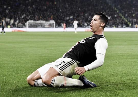 Juventus tặng quà độc, Ronaldo bùng nổ với bàn thắng 701 - Ảnh 4.