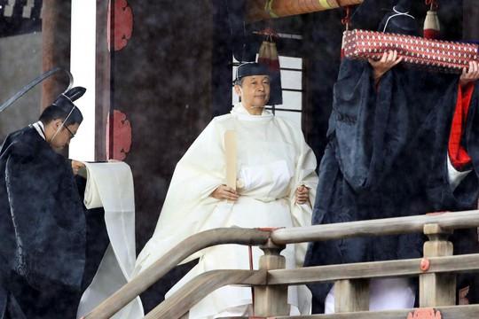 [VIDEO] Toàn cảnh Nhật hoàng Naruhito lên ngôi trong cơn mưa trút nước - Ảnh 5.