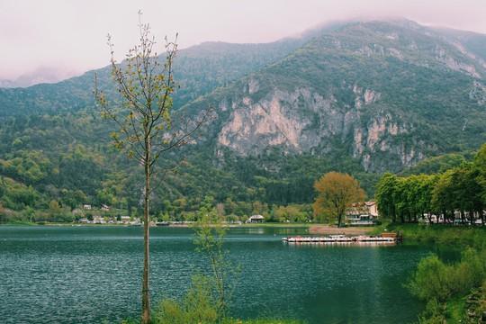 Hồ vùng Bắc Ý và những cái nhất - Ảnh 4.