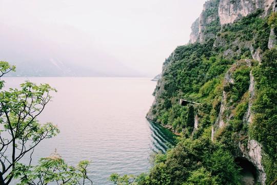 Hồ vùng Bắc Ý và những cái nhất - Ảnh 2.