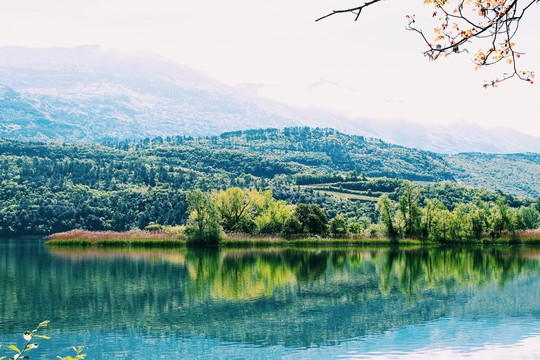 Hồ vùng Bắc Ý và những cái nhất - Ảnh 10.