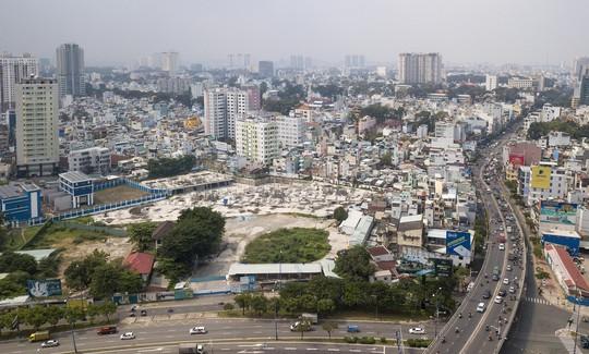 Cận cảnh khu phức hợp Dragon Riverside City 35.000 m2 bị cưỡng chế tại TP HCM - Ảnh 1.