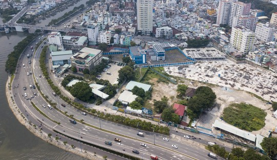 Cận cảnh khu phức hợp Dragon Riverside City 35.000 m2 bị cưỡng chế tại TP HCM - Ảnh 4.