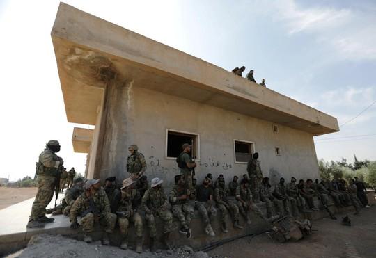 Quân đội Syria và Thổ Nhĩ Kỳ đụng độ - Ảnh 2.