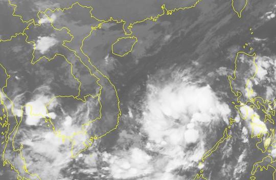 Bão giật cấp 10 vào Nam Trung bộ, mưa rất lớn ở Trung Bộ và Tây Nguyên - Ảnh 2.