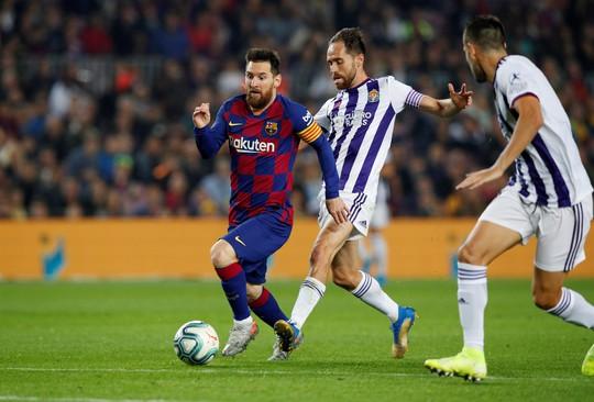 Ghi 608 bàn, Messi vượt mặt Ronaldo - Ảnh 1.