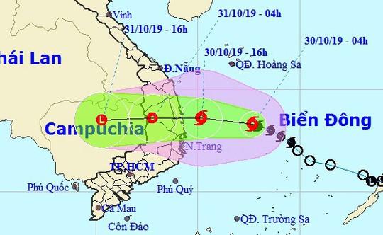 Bão khẩn cấp, giật cấp 11 đổ bộ vào Quảng Ngãi-Ninh Thuận tối nay - Ảnh 1.