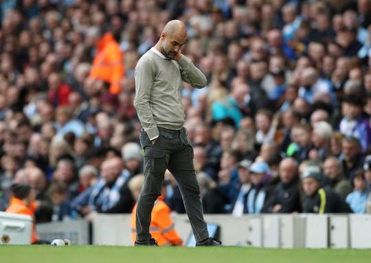 Thua sốc Wolves, Man City bị Liverpool bỏ xa đến 8 điểm - Ảnh 4.