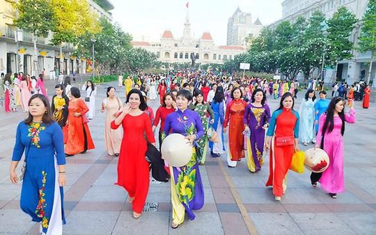 Lấy ý kiến về 13 sự kiện văn hoá, nghệ thuật, lễ hội của TP HCM - Ảnh 3.