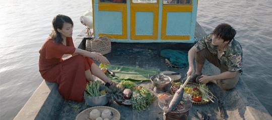 Chàng dâng cá, nàng ăn hoa hoãn phát sóng vì cảnh nóng, dư luận tranh cãi - Ảnh 2.