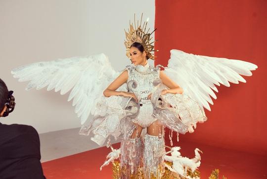 Sau bánh mì, cà phê Việt sẽ chinh chiến ở Hoa hậu Hoàn vũ 2019? - Ảnh 4.
