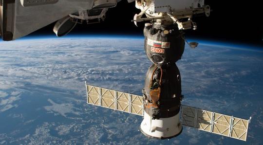 Có NASA, Mỹ vẫn mất gần 4 tỉ USD để Nga chuyển phi hành gia lên vũ trụ - Ảnh 1.