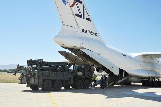 Thổ Nhĩ Kỳ đáp trả Mỹ: Mua S-400 để dùng, không phải để đắp chiếu - Ảnh 1.