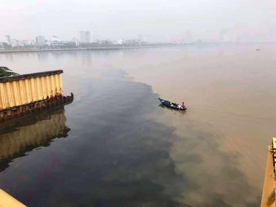 Đà Nẵng lên tiếng vụ nước thải đen ngòm đầu độc sông Hàn - Ảnh 2.