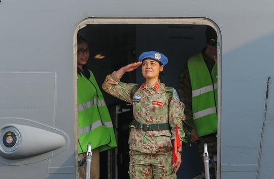 Cận cảnh ngựa thồ C-17 đưa bệnh viện dã chiến sang Nam Sudan làm nhiệm vụ gìn giữ hòa bình - Ảnh 13.