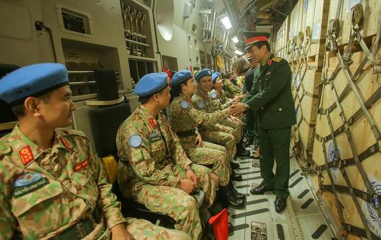 Cận cảnh ngựa thồ C-17 đưa bệnh viện dã chiến sang Nam Sudan làm nhiệm vụ gìn giữ hòa bình - Ảnh 14.