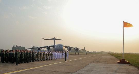 Cận cảnh ngựa thồ C-17 đưa bệnh viện dã chiến sang Nam Sudan làm nhiệm vụ gìn giữ hòa bình - Ảnh 5.