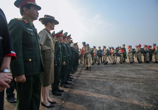Cận cảnh ngựa thồ C-17 đưa bệnh viện dã chiến sang Nam Sudan làm nhiệm vụ gìn giữ hòa bình - Ảnh 8.