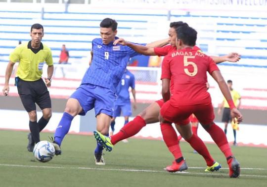 Đương kim vô địch Thái Lan gục ngã, sân cỏ SEA Games rúng động - Ảnh 3.