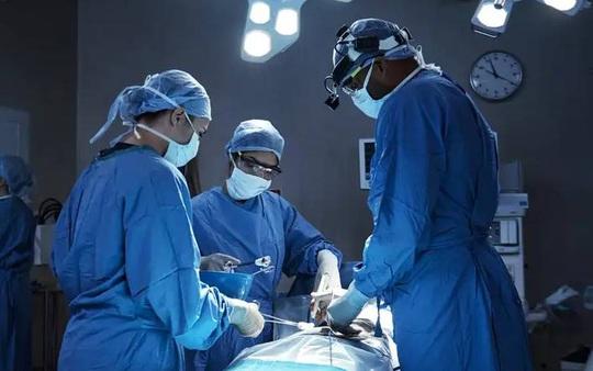 Hy hữu: Bệnh viện Mỹ ghép thận nhầm cho bệnh nhân lành lặn - Ảnh 1.