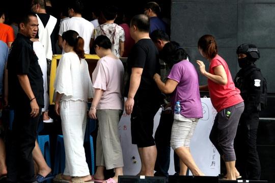 Tội phạm lừa đảo Trung Quốc tràn sang Đông Nam Á - Ảnh 1.