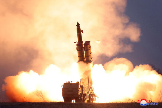 Triều Tiên thử tên lửa, gây sức ép - Ảnh 1.