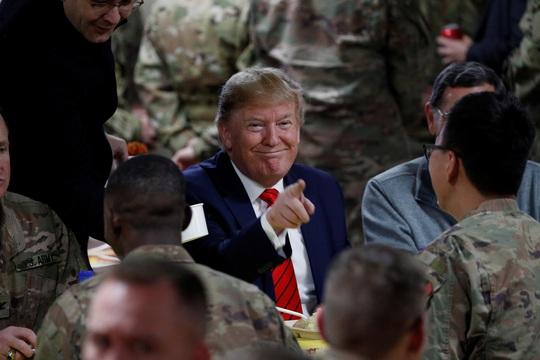 Ông Trump đến Afghanistan, có động thái bất ngờ về Taliban - Ảnh 9.