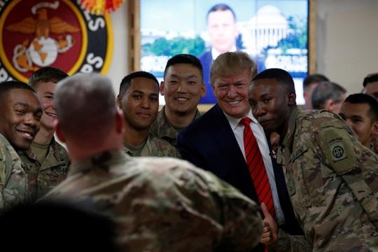 Ông Trump đến Afghanistan, có động thái bất ngờ về Taliban - Ảnh 5.