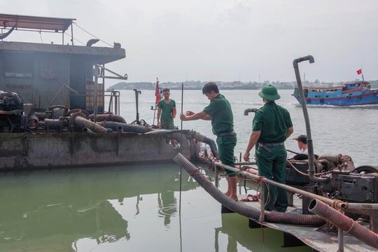 TP HCM mạnh tay trị cát tặc biển Cầu Giờ và vùng giáp ranh - Ảnh 2.