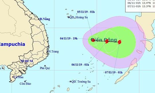 Áp thấp nhiệt đới khả năng mạnh lên thành bão giật cấp 11 trên Biển Đông - Ảnh 1.