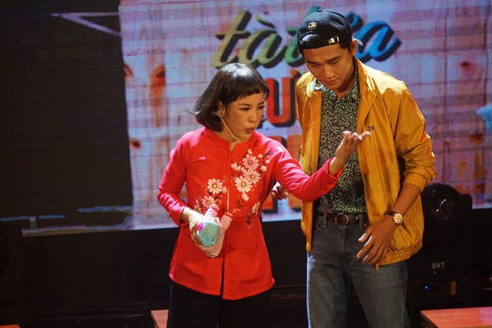 NSND Hồng Vân hóa thân hồn ma nghệ sĩ trong live show Thúy Nga - Ảnh 6.