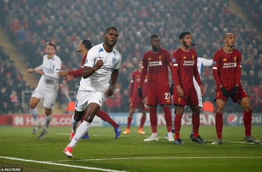 Thần tài tỏa sáng, Liverpool lên ngôi đầu bảng Champions League - Ảnh 3.