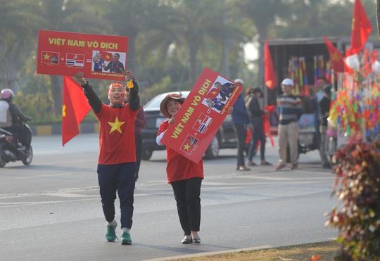 Thủ tướng nồng nhiệt chào đón, chúc mừng các HLV, VĐV đoàn thể thao Việt Nam - Ảnh 2.
