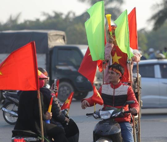 Thủ tướng nồng nhiệt chào đón, chúc mừng các HLV, VĐV đoàn thể thao Việt Nam - Ảnh 6.