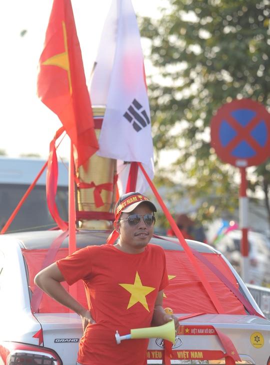 Thủ tướng nồng nhiệt chào đón, chúc mừng các HLV, VĐV đoàn thể thao Việt Nam - Ảnh 7.