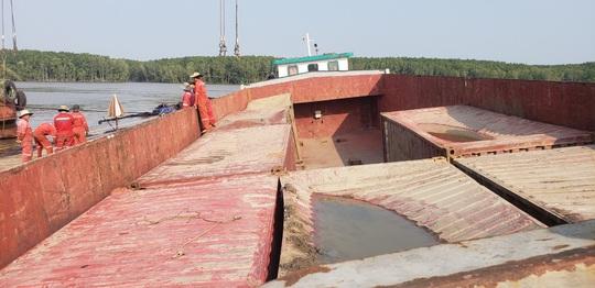 NÓNG: Thông tin mới nhất vụ 3 thợ lặn mất tích tại nơi trục vớt tàu chìm ở Cần Giờ - Ảnh 2.