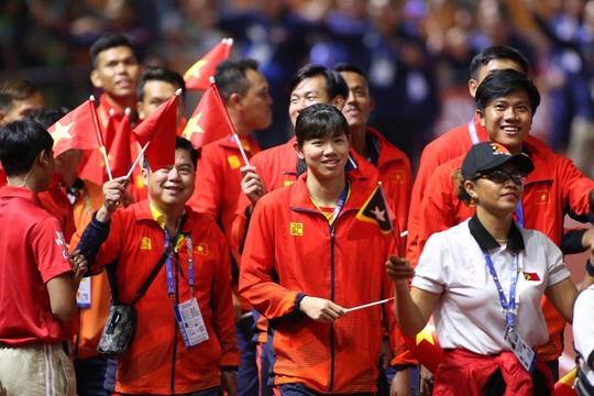 Bế mạc SEA Games 30: Ánh Viên được vinh danh, Việt Nam nhận cờ đăng cai SEA Games 31 - Ảnh 4.