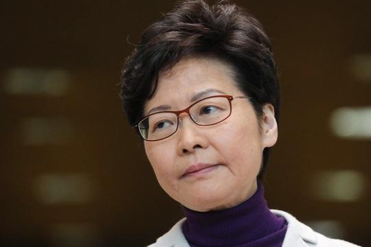 Chuyến đi định mệnh của đặc khu trưởng Hồng Kông đến Trung Quốc - Ảnh 1.